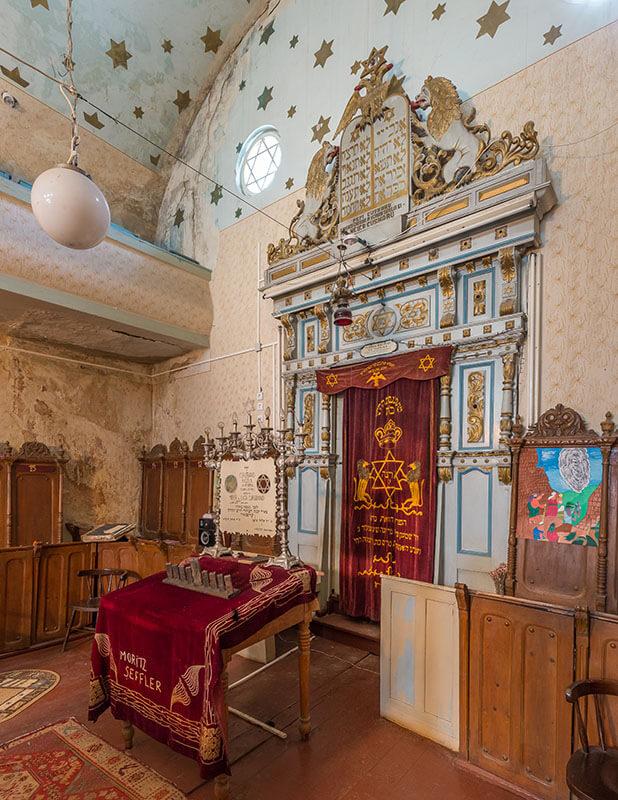 בית הכנסת פוקשאני - מבפנים